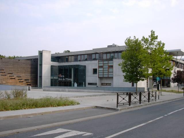 UMV Bât Bois de lEtang  Université de Marne la Vallée, rue  ~ Bois De L Etang